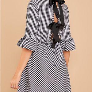 Gingham bow back dress size large NWOT black white